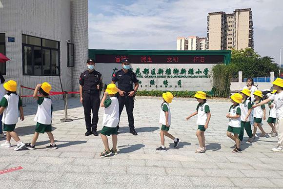 广州花都加强巡逻防控 护校园安全保平安